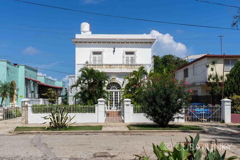 Casa Isela y Leon
