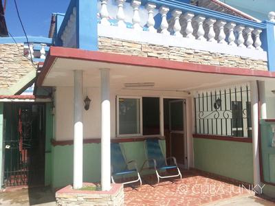 Junky Dot Com: Casa Regino y Yaiquelin &emdash; Casa Regino y Yaiquelin Playa Larga Cuba