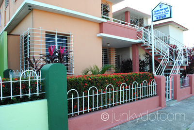 Casa Angela y Luis Camaguey Cuba