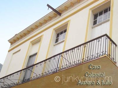 Casa Aurora y Julio, Habana Vieja, Cuba