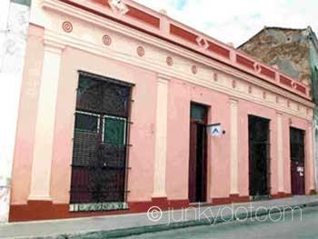 Hospedaje Colonial Los Vitrales | Camaguey | Cuba