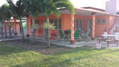 Casa Lazara y Pupi | Santa Lucia | Cuba