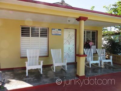 Villa Leibys y Papito El Zapatero | Vinales | Cuba