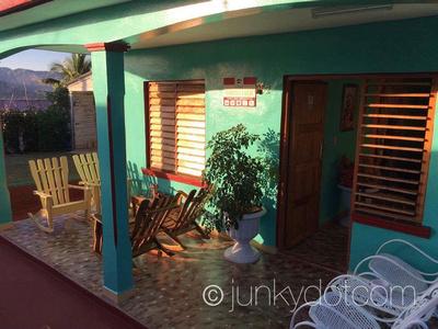 Villa Maricela y Gilbe Vinales Cuba