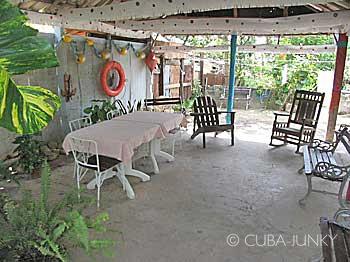 Casa Julio y Omara Danta | Holguin Banes | Cuba