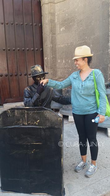 Tour Guide Yariley Havana