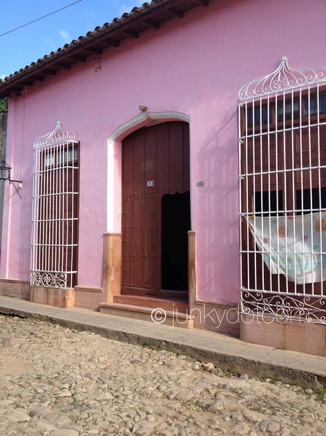 Casa Carlitos Irarragorri y Diana Rosa Trinidad Cuba